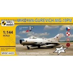 MiG-19PM Farmer D - 1/144 plastic kit