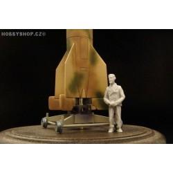 Wernher von Braun - 1/72 figure