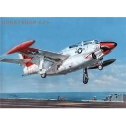 T-2 Buckeye Red & White Trainer - 1/48 kit