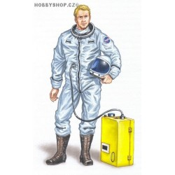 X-15 pilot - 1/48 figure