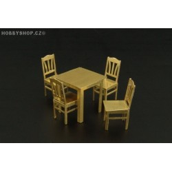 Table and chairs - 1/72 PE set